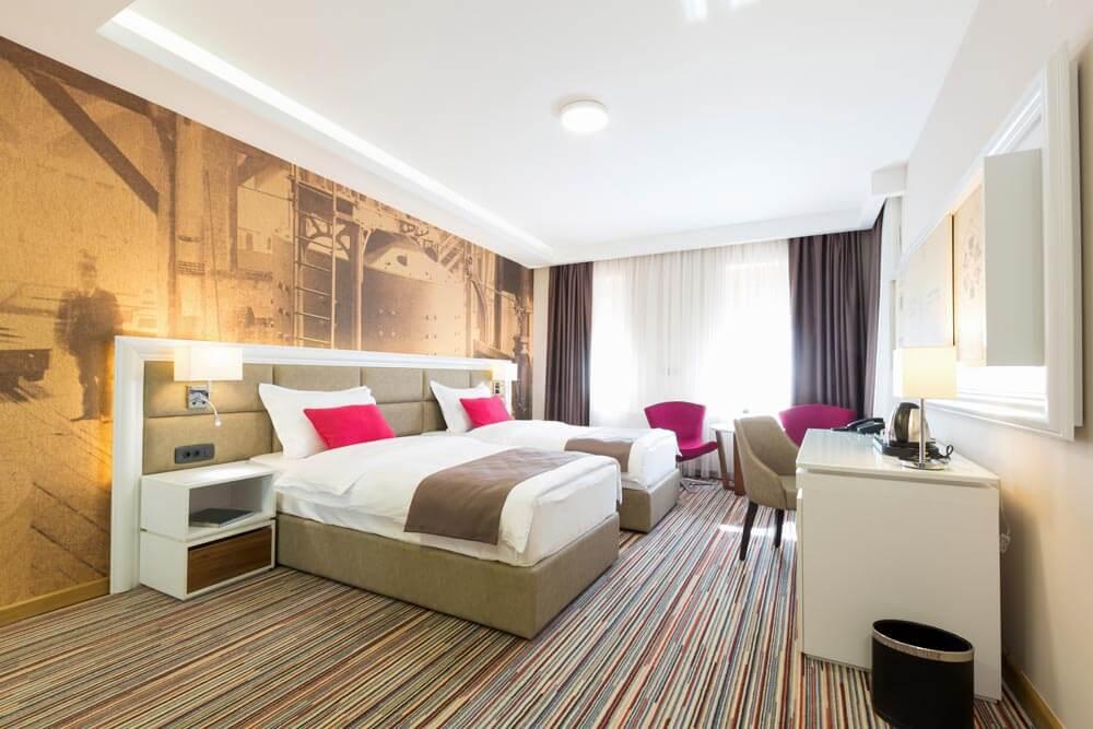 Carpet tiles bedroom uk best carpet tiles for bedrooms for Best carpet for home office