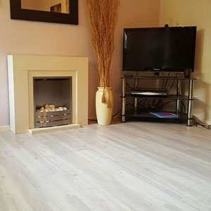 Woodplank vinyl installed - Kent