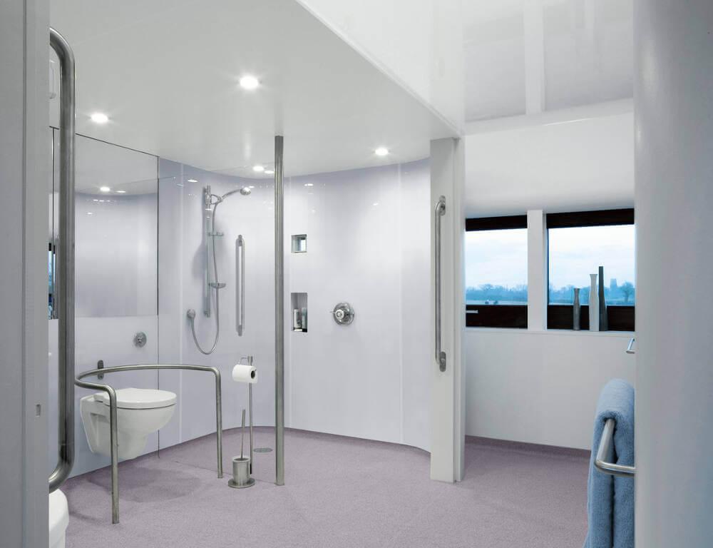 Adapted bathroom Altro Pisces