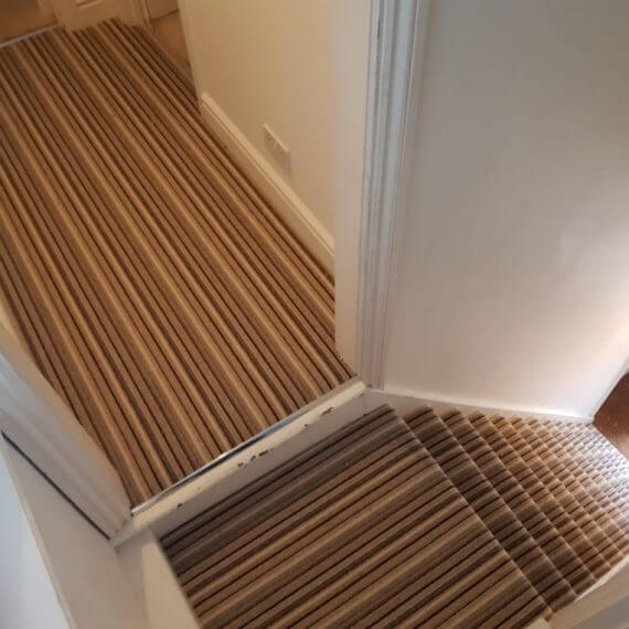 carpet-on-landing-and-staircase